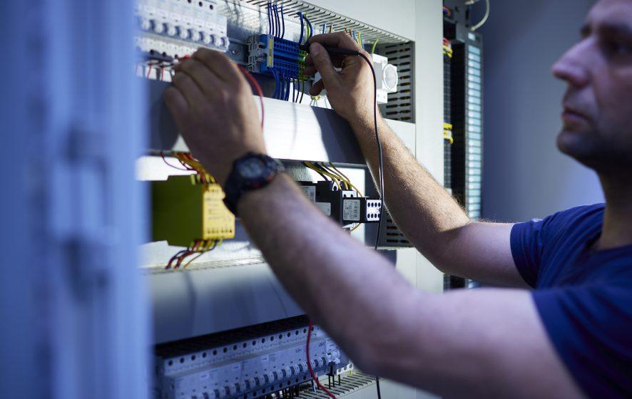 Servicemonteur elektro buitendienst.