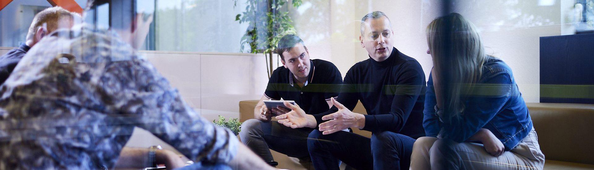 ARCO medewerkers in een vergadering