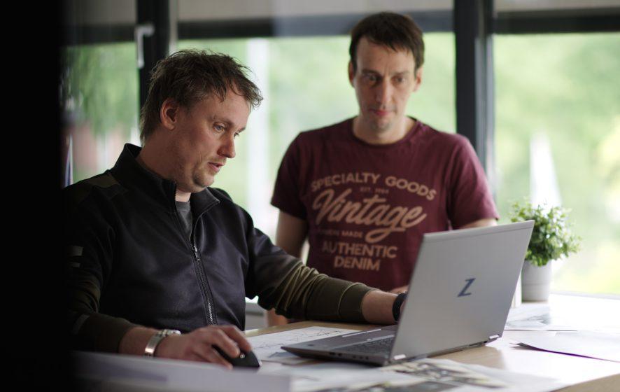 Software engineers aan het werk